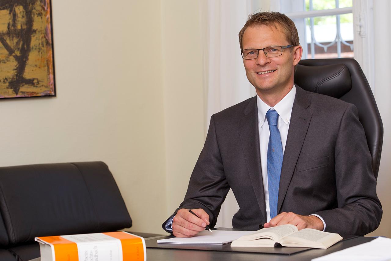 Dr. Jens Steinigen